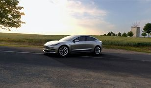 Tesla Model 3 bez klasycznych zegarów - na pokładzie znajdzie się tylko jeden wyświetlacz