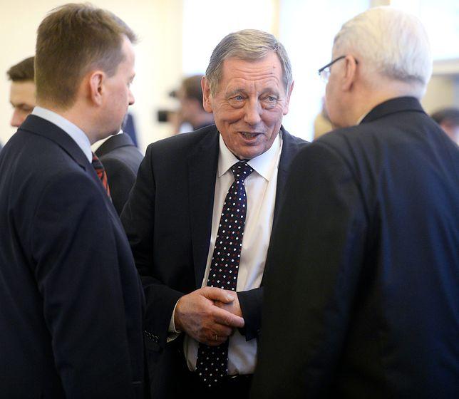 Minister środowiska Jan Szyszko i szef resortu spraw wewnętrznych Mariusz Błaszczak