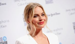 LOOK OF THE DAY: Margot Robbie w sukni Calvina Kleina