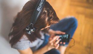 Muzyka to popularne hobby. Coraz częściej słuchamy jej bezpośrednio z internetu.