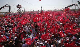 Wielki wiec poparcia dla Recepa Erdogana w Stambule