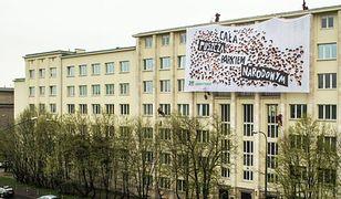 PILNE: Policja planuje ewakuować aktywistów Greenpeace'u z dachu ministerstwa