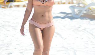 Andrea Calle kusi w seksownym bikini