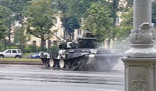 Szalał czołgiem po ulicy. Katastrofa tylko czekała