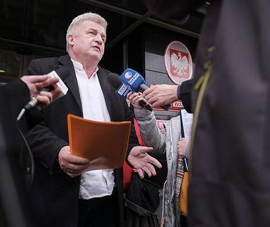 Piotr Ikonowicz, społecznik skazany na prace społeczne, kandydatem na prezydenta stolicy