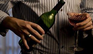 Koniec świątecznego kaca? Tego nie rób podczas picia alkoholu!