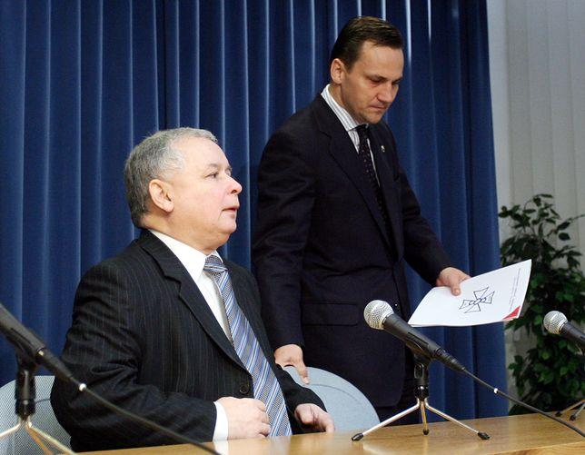 Prezes PiS Jarosław Kaczyński i były minister spraw zagranicznych Radosław Sikorski (zdj. arch.)