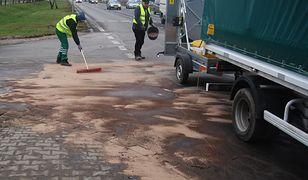 100 kg jabłek i kilkadziesiąt kasków - co służby porządkowe sprzątały w 2014 roku?