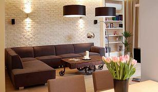 Jak powiększyć mały salon za pomocą światła?