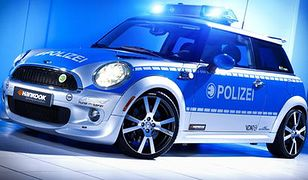 MINI E w policyjnych barwach