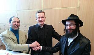 Youssef Chadid (po lewej) na międzywyznaniowym spotkaniu
