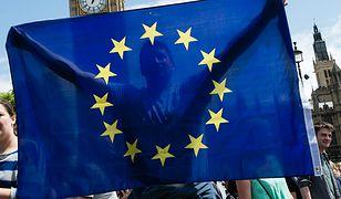 Polacy zdecydowanie nie chcą Polexitu. Zaufanie do UE większe niż do rządu