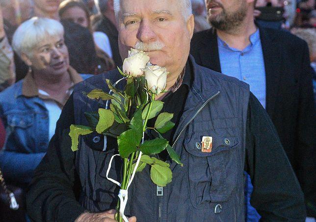 """Wałęsa opublikował mem z Kaczyńskim. """"Pojechał Pan grubo"""""""
