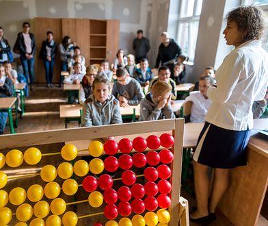 Liczydło to bardzo adekwatna metafora stanu zaawansowania polskich szkół.