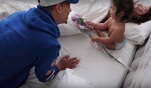 Kupuje kwiaty dla córki