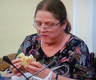 Posłanka Pawłowicz przyłapana z kanapką