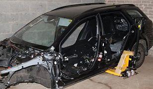 Śledztwo w sprawie koszykarza trwa. Policja szuka kradzionych aut
