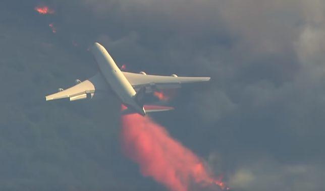 Do gaszenia pożarów lasów w Kalifornii Amerykanie wykorzystują Jumbo Jeta