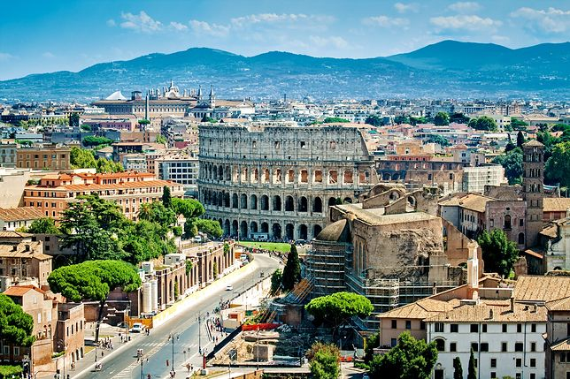 Symbolem Rzymu jest Koloseum