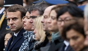 Kandydat na prezydenta Francji Emmanuel Macron (z lewej)