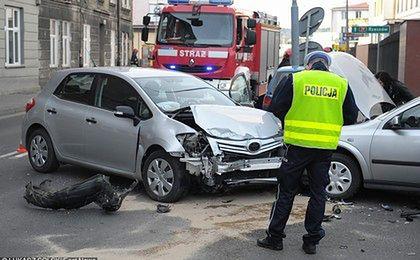 Zadośćuczynienie za śmierć w wypadku. Warto sądzić się z ubezpieczycielem