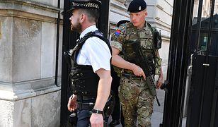 Rząd Wielkiej Brytanii obniżył poziom alertu. Niebezpieczeństwo terroru jednak nie minęło