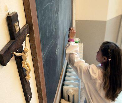 Czy religia powinna być w szkołach? Rodzice podzieleni