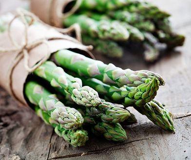 Szparagi - zdrowe i smaczne. Łatwo kupisz je w dyskoncie