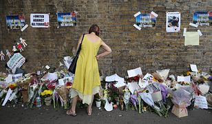 Mur stojący nieopodal Finsbury Park, gdzie zaatakowano wychodzących z meczetu muzułmanów
