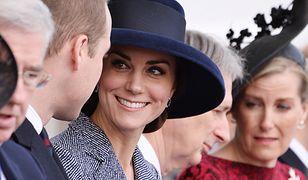Elegancka Księżna Kate uczciła z godnością ten ważny dzień