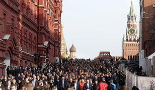 Marsz w Moskwie ku pamięci ofiar zamachu w Sankt Petersburgu (kwiecień 2017 r.)