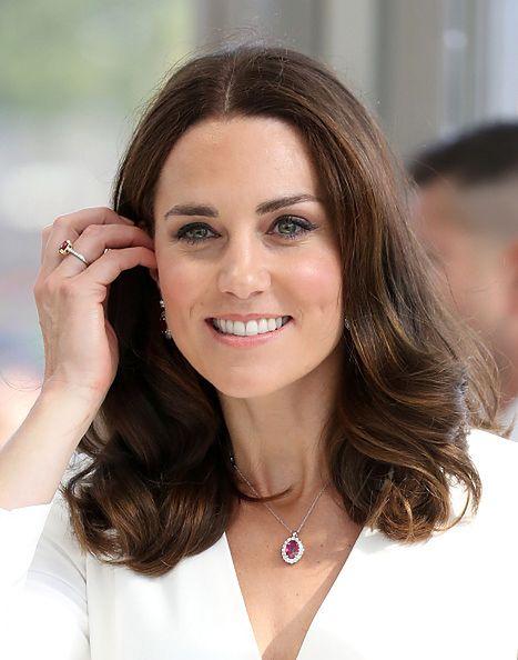 Biżuteria Kate symbolizuje flagę Polski? To możliwe!