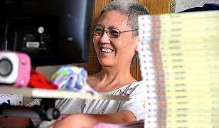 """Rzuciła prawdziwe wyzwanie ALS. Sparaliżowana kobieta """"wymrugała"""" swoją biografię"""
