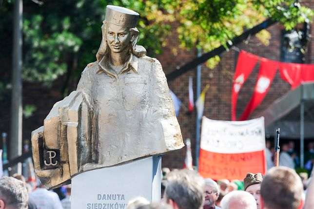 """Gdańsk. Zdewastowana tablica z historią """"Inki"""""""