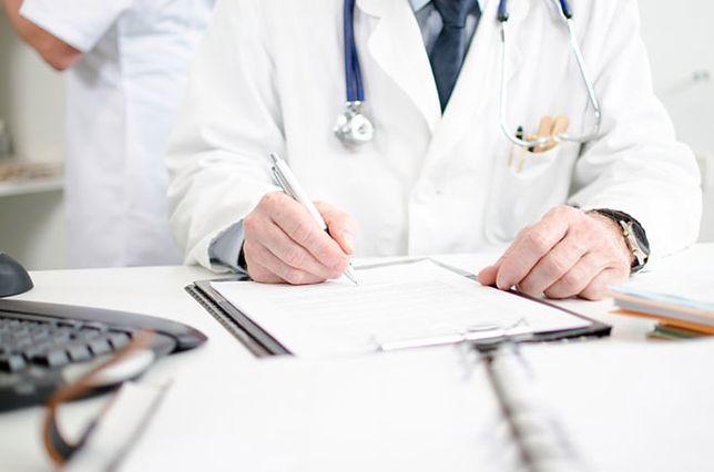Fałszywy lekarz okradał pacjentów. Policja schwytała oszusta
