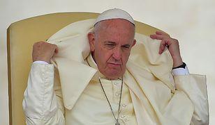 Papież nie chce mówić o islamistach. Wierni wiedzą swoje