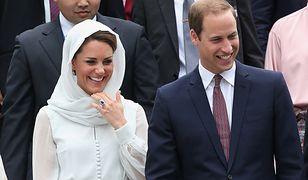 Niezwykła historia zaręczynowego pierścionka Kate Middleton