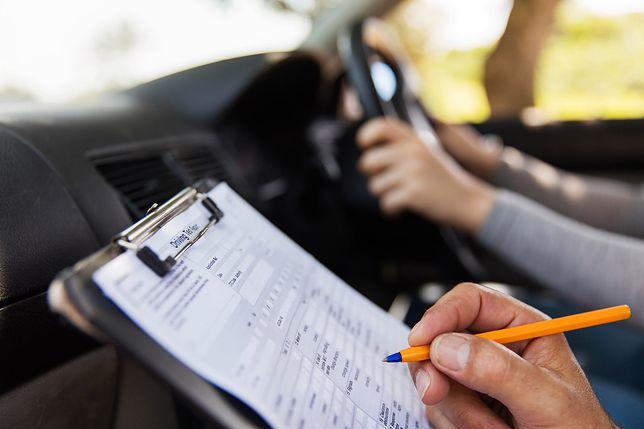 Test z obsługi nawigacji na egzaminie na prawo jazdy w Wielkiej Brytanii