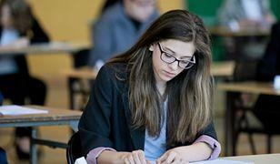 Ponad 360 tys. uczniów III klas gimnazjów w całym kraju przystąpiło do egzaminów
