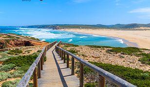 Region Algarve - nieokiełznany krajobraz przyrody, flamingi i nietknięte czasem zabytki