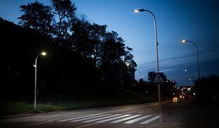 Inteligentne przejście dla pieszych w Polsce. Zwiększy bezpieczeństwo i pozwoli zaoszczędzić