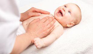 Co to znaczy, że brzuszek dziecka jest delikatny?
