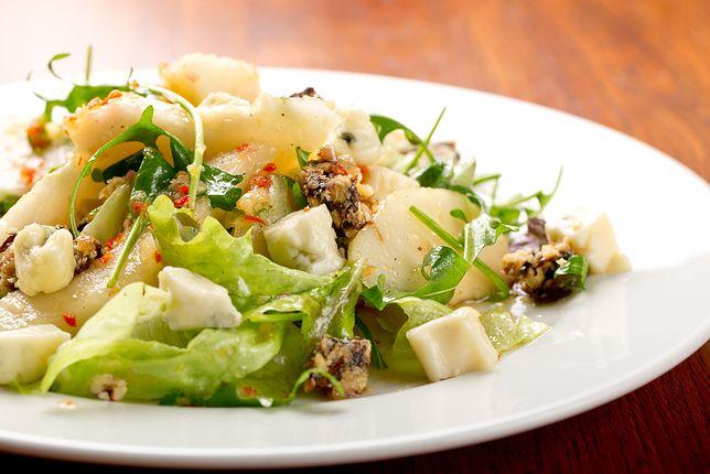 Sałatka z kurczakiem, gorgonzolą i gruszkami