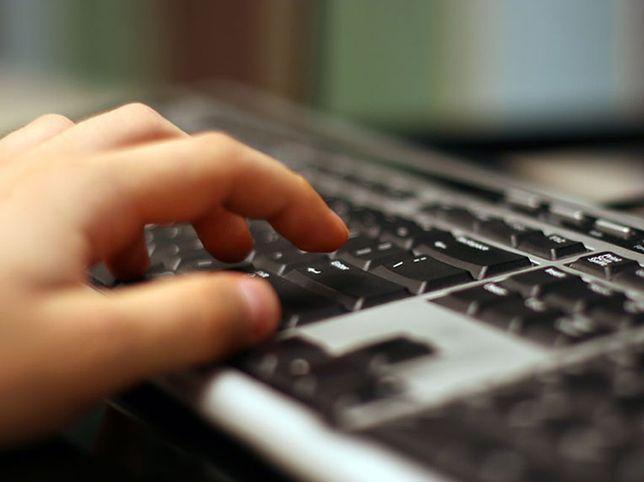 Przeszukanie mieszkania internauty, którzy udostępnił filmik o prezydencie