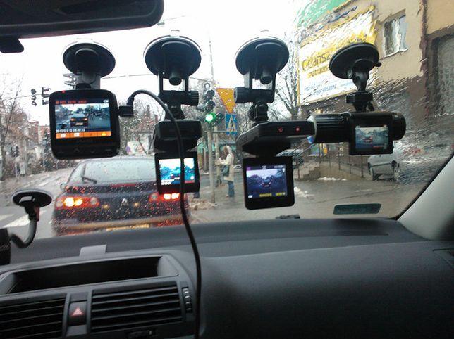 Kamera w samochodzie - testujemy rejestratory jazdy