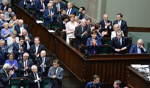 Posłowie PiS po przyjęciu ustawy o Sądzie Najwyższym.