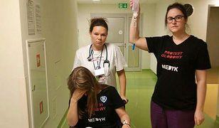 Wyższe zarobki, większe nakłady na służbę zdrowia - apelują / Zdjęcie ilustracyjne.