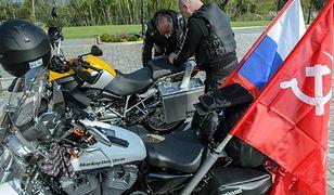 Motocykliści, europejscy członkowie rosyjskiego klubu Nocne Wilki, 1 maja w Terespolu