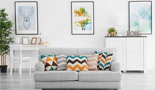Jak łączyć wzory i kolory tkanin we wnętrzu?