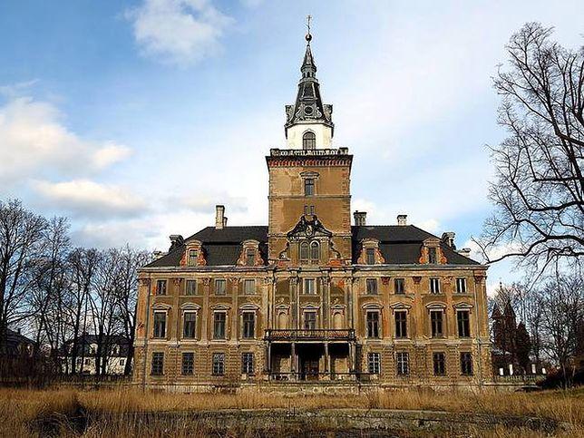 Rezydencja  w Roztoce - najpiękniejszy zamknięty pałac w Polsce
